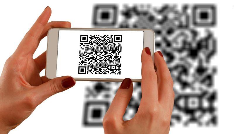 Július 1-től Magyarországon is hódíthat a QR-kód alapú fizetési mód