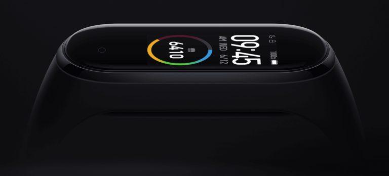 Kipróbáltuk: Xiaomi Mi Band 4 - színesben szebb a világ!